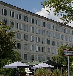 Blick auf das Gebäude in der Kochstraße 4