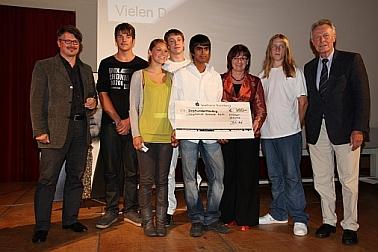 Gruppenbild der Preisträger von der Hauptschule Soldnerstraße