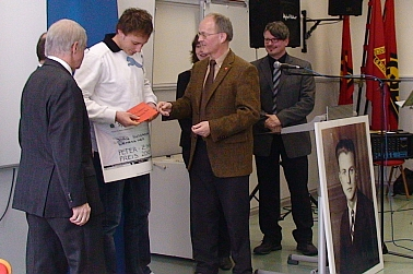 Preisübergabe an Jörg Sussmann