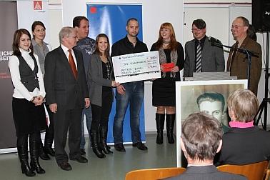 Preisübergabe an die Jugendauszubildendenvertretung von Schaeffler